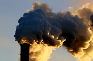 Китай інвестував $36 млрд у вугільні електростанції попри «боротьбу за чисте повітря»
