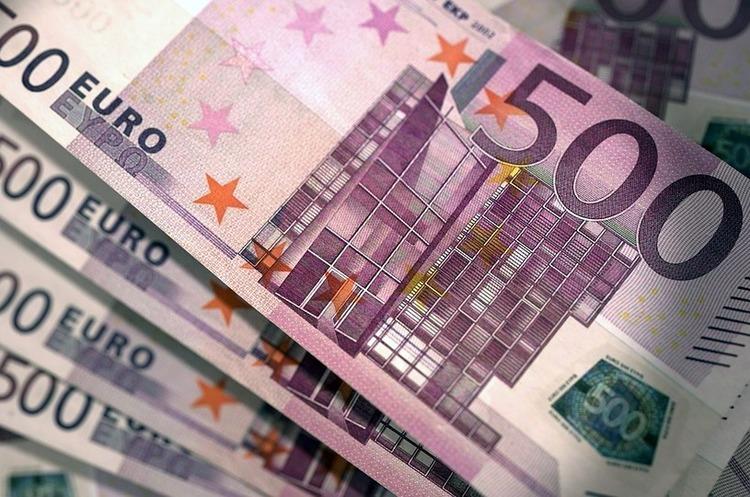 Більшість країн єврозони припинили випускати банкноти в 500 євро