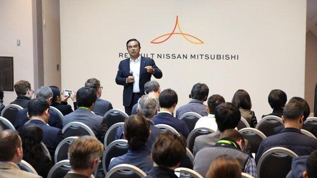 Екс-глава Nissan Карлос Гон вважає себе жертвою «змови і підступу»