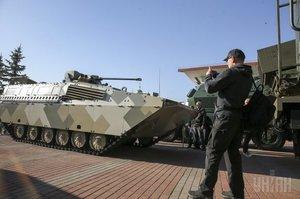 Порошенко підписав закон про закупівлю імпортної продукції оборонного призначення