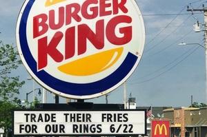 «Як Big Mac, тільки соковитіший»: Burger King змінив назву для бургерів, щоб потролити McDonald's (ВІДЕО)
