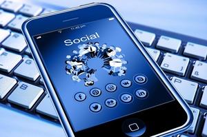 ЄК похвалила Facebook, Twitter та YouTube за успіхи в боротьбі з розпалюванням ненависті в інтернеті