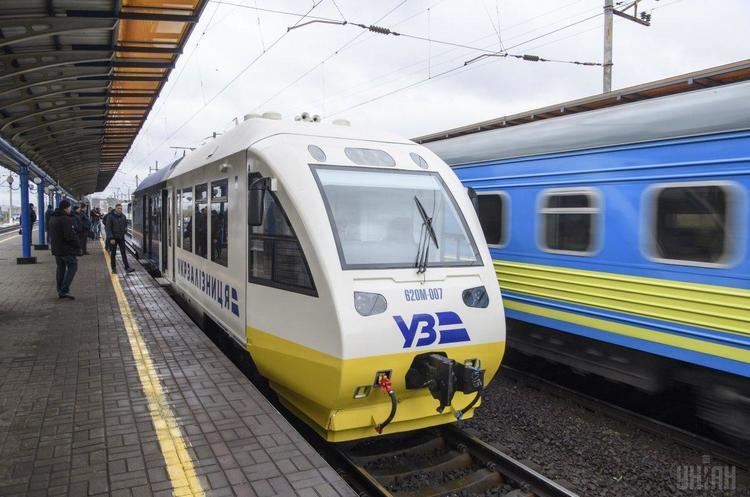 «Укрзалізниця» скорочує частоту курсування потязі в до Росії