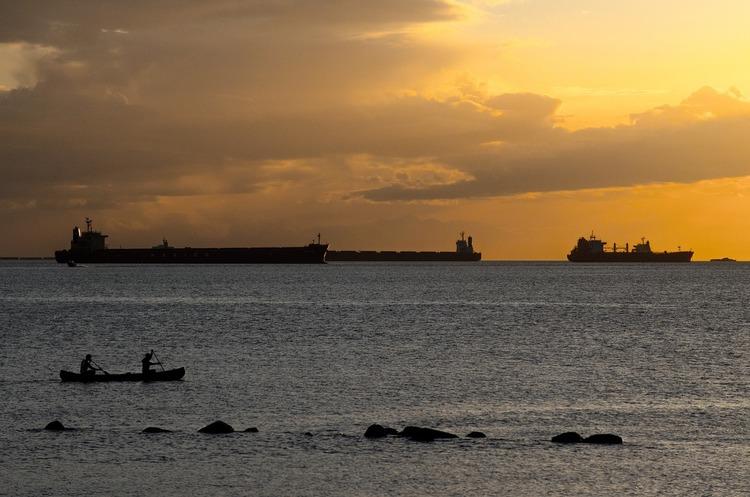 Туреччина загальмувала в Босфорі 59 російських танкерів із нафтою