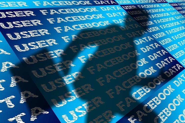 Facebook видаляє 1 млн фейкових акаунтів щодня