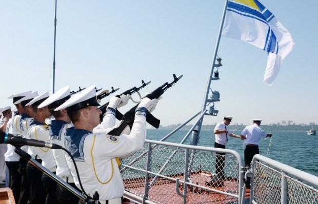 Два військовополонені моряки отримали офіцерські звання в Одесі