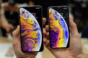Продажі iPhone обвалилися в Китаї на 20%