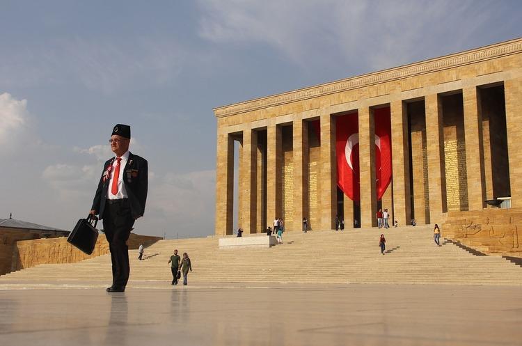 У Туреччині – нова хвиля репресій: видано ордери на арешт понад 1000 осіб