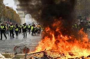 Понад 8 тисяч учасників протестів «жовтих жилетів» було затримано: яка їхня доля?