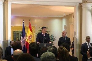 Іспанський прем'єр розпустив парламент та призначив дострокові вибори