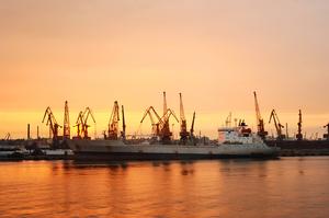 Морські порти України у січні збільшили вантажообіг на 34,4%