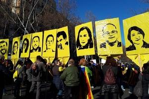 «Прагнення до незалежності – не злочин»: 200 тисяч людей вийшли на вулиці Барселони