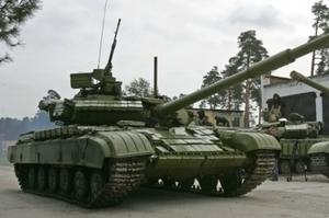 Українська армія отримала 100 модернізованих танків Т-64