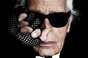 Помер креативний директор Chanel Карл Лагерфельд