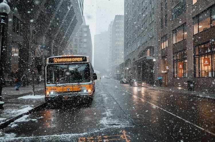 Європарламент та країни ЄС досягли згоди щодо скорочення рівня викидів СО2 вантажівками та автобусами
