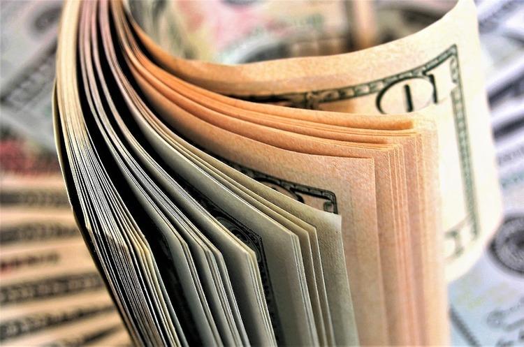 Гроші українських корупціонерів заховані у 65 країнах – НАБУ