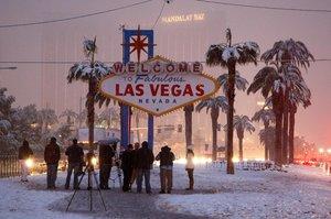 Лас-Вегас накрило найсильнішим за 80 років снігопадом, скасовано понад 100 рейсів