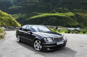 Daimler і BMW вкладуть 1 млрд євро в сервіс перевезень, який стане конкурентом Uber
