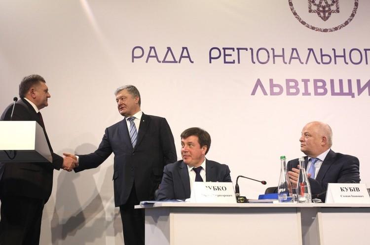 Порошенко заявив, що «не бачив» поправок, які б могли обмежити діяльність ФОПів на єдиному податку