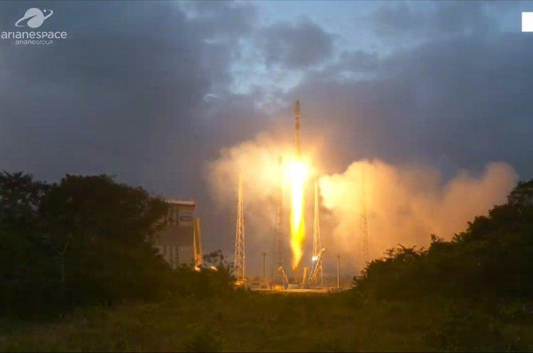 «Союз» вивів на орбіту британські супутники OneWeb