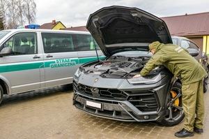 Прикордонники не пустили до України Lamborghini  за 10 млн грн