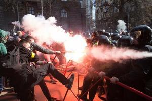 Нацполіція: 18 правоохоронців травмовано під час сутичок у Черкасах і Києві