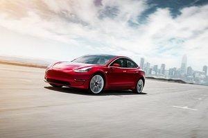 Після оновлення на Tesla Model 3 можна проїхати на 25 км більше