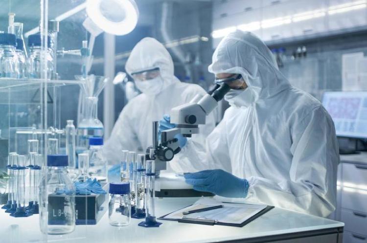 Johnson & Johnson сплатить $29 млн жінці, яка стверджує, що захворіла на рак через продукцію компанії