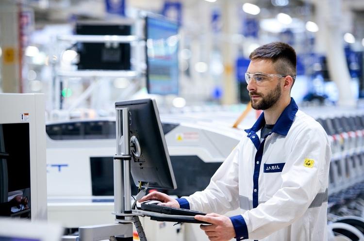 Компанія Jabil збільшила виробництво в Україні вдвічі