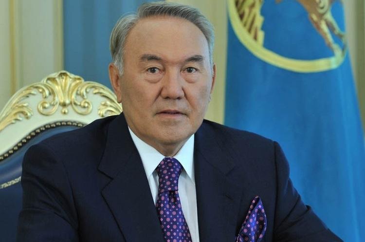 Президент Казахстану Назарбаєв склав повноваження (ОНОВЛЮЄТЬСЯ)