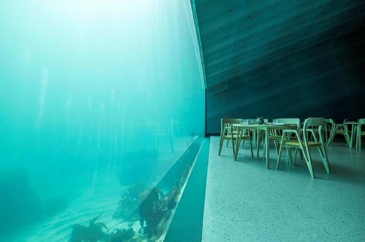 В Норвегії відкрився перший у Європі підводний ресторан