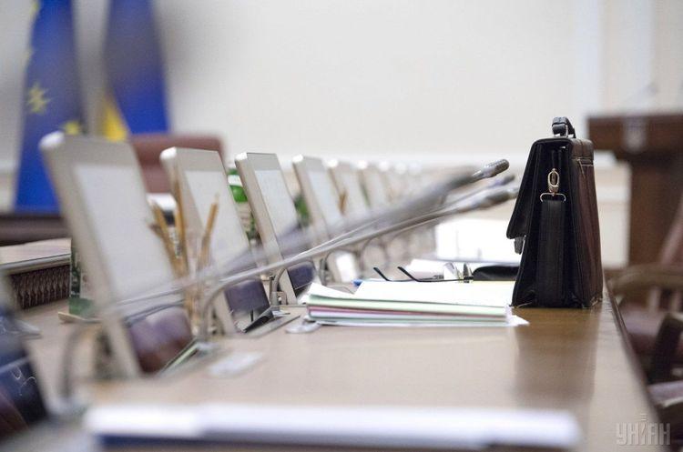 Майбутнім керівникам податкової і митної служб платитимуть зарплату 60 000–70 000 грн