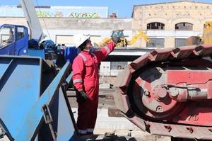 Уникальный движущийся «мегадомкрат» поможет реконструировать Шулявский путепровод в Киеве  (ВИДЕО)