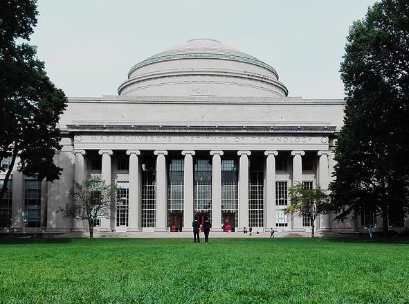 Массачусетський технологічний інститут припиняє співпрацювати з Huawei та ZTE