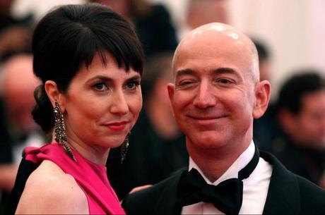 Самый дорогой развод в истории: бывшая жена основателя Amazon получила $35 млрд