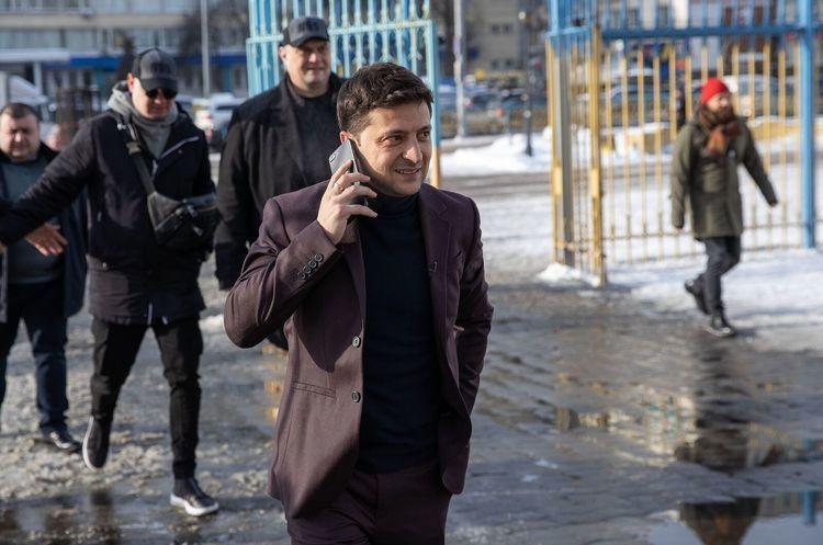 Зеленський чекатиме на Порошенка 19 квітня на НСК «Олімпійський» – штаб Зе