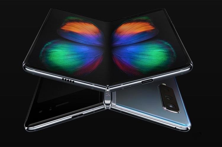 У США всю партію Samsung із гнучким екраном розкупили ще на етапі передзамовлень