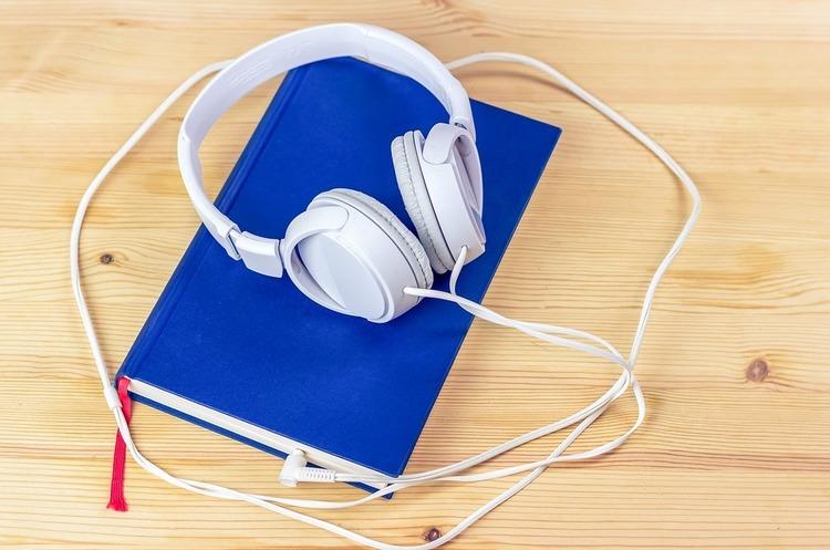 В Україні запустили перше спеціалізоване видавництво аудіокнижок
