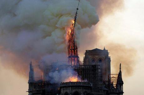 «Трагедія для всього світу». Наслідки пожежі в соборі Нотр-Дам