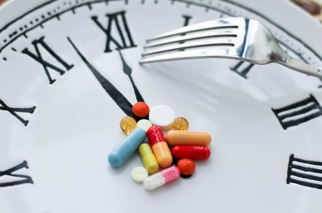 Инструкция к трудоголику: зачем человеку дополнительные витамины