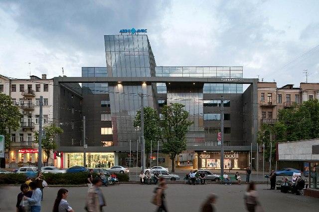 АМКУ дозволив Dragon Capital купити БЦ Platinum Plaza в Харкові
