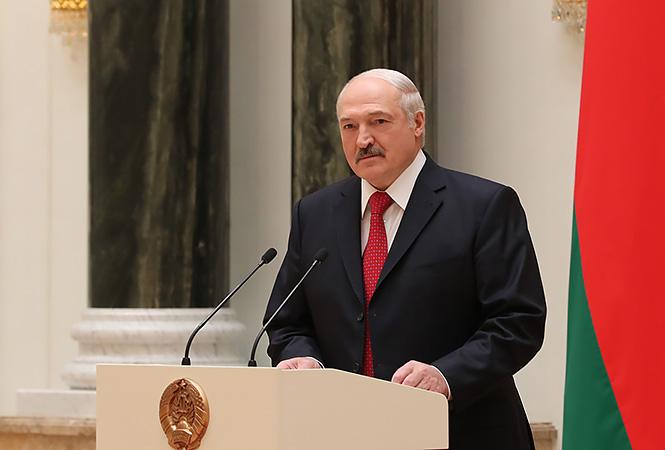 Лукашенко привітав Зеленського із перемогою на виборах