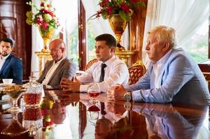 Нові комбінації на зеленому сукні: як Володимир Зеленський будуватиме відносини з олігархами