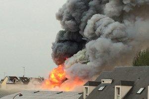 У Франції спалахнула масштабна пожежа на території парку Версаля (ВІДЕО)