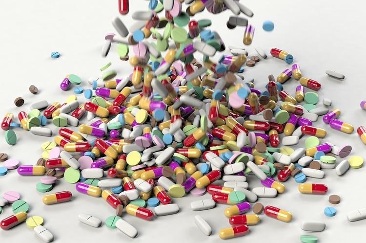 США оштрафували одну з найбільших фармкомпаній на $20 млн за незаконне поширення синтетичних опіоїдів