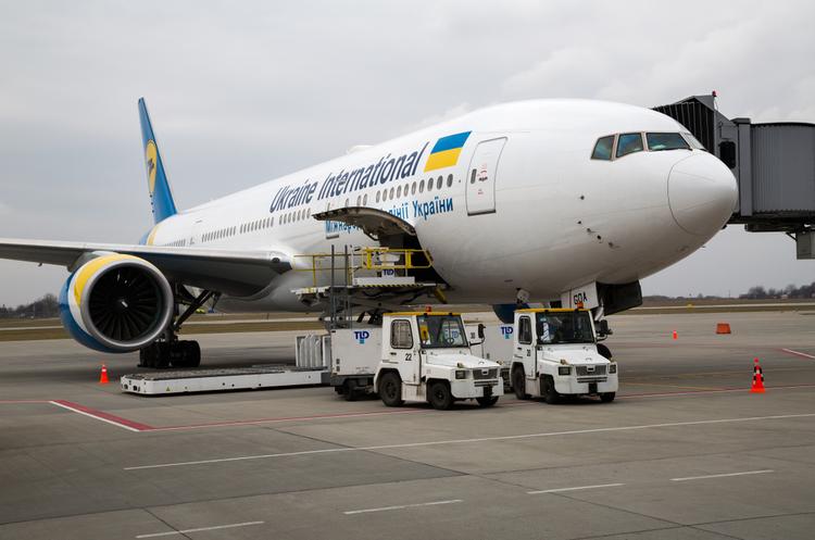 МЕРТ: українські туристи не будуть годинами чекати своїх рейсів в аеропортах