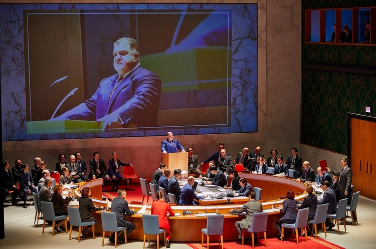Геополитика в искусстве: как в Гамбурге поставили оперу «Набукко» с отсылкой к войне в Сирии