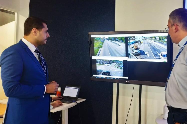 «Розумна дорога»: в Україні запущено центр моніторингу безпеки руху