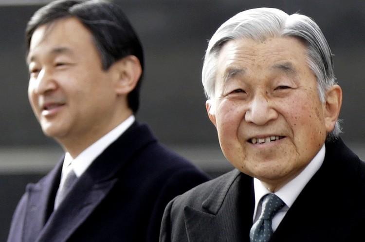 Демократія по-японськи: імператор йде, хай живе імператор