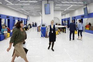 Україна відновила видачу біометричних паспортів